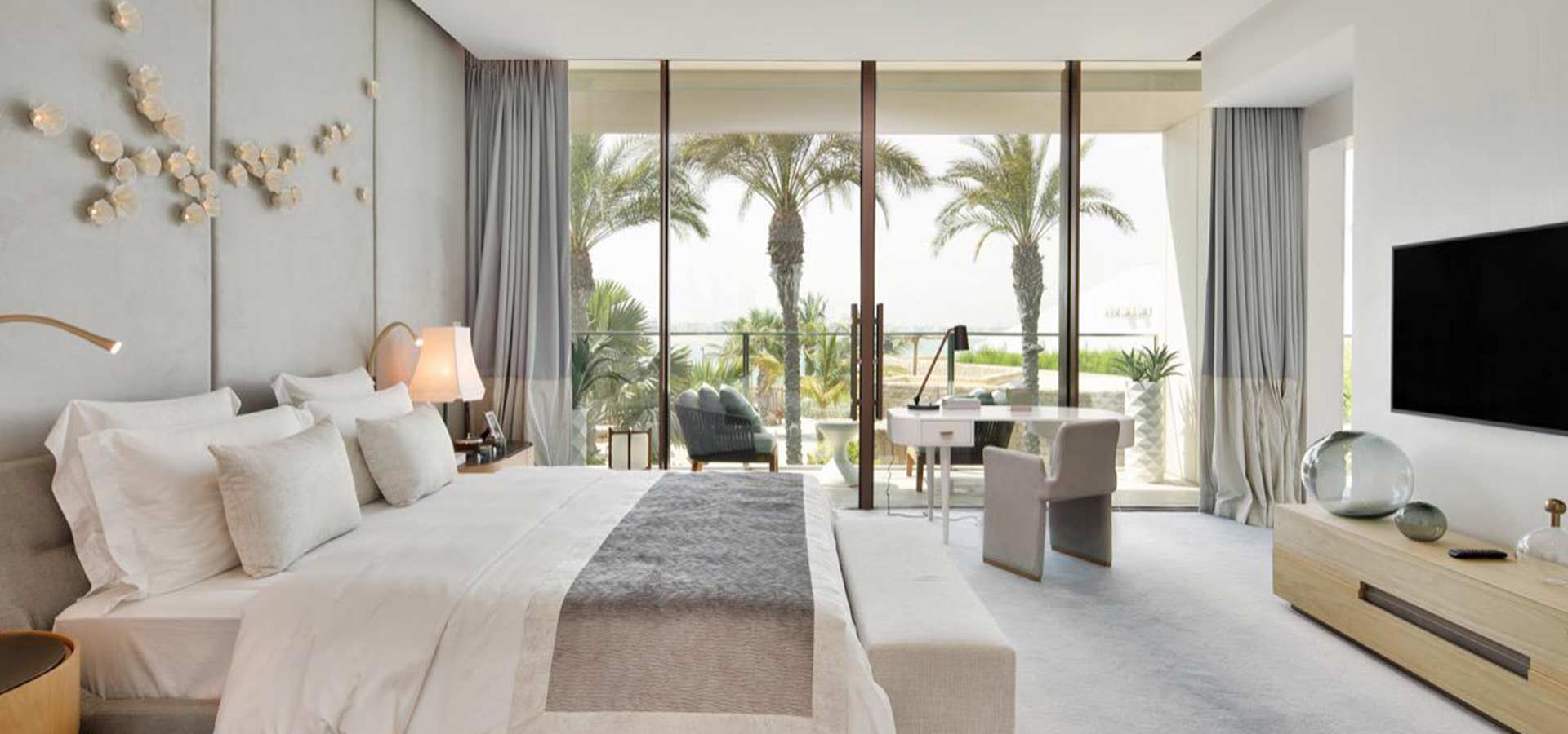 palm-and-sea-view-apartment-in-atlantis-the-royal-residence