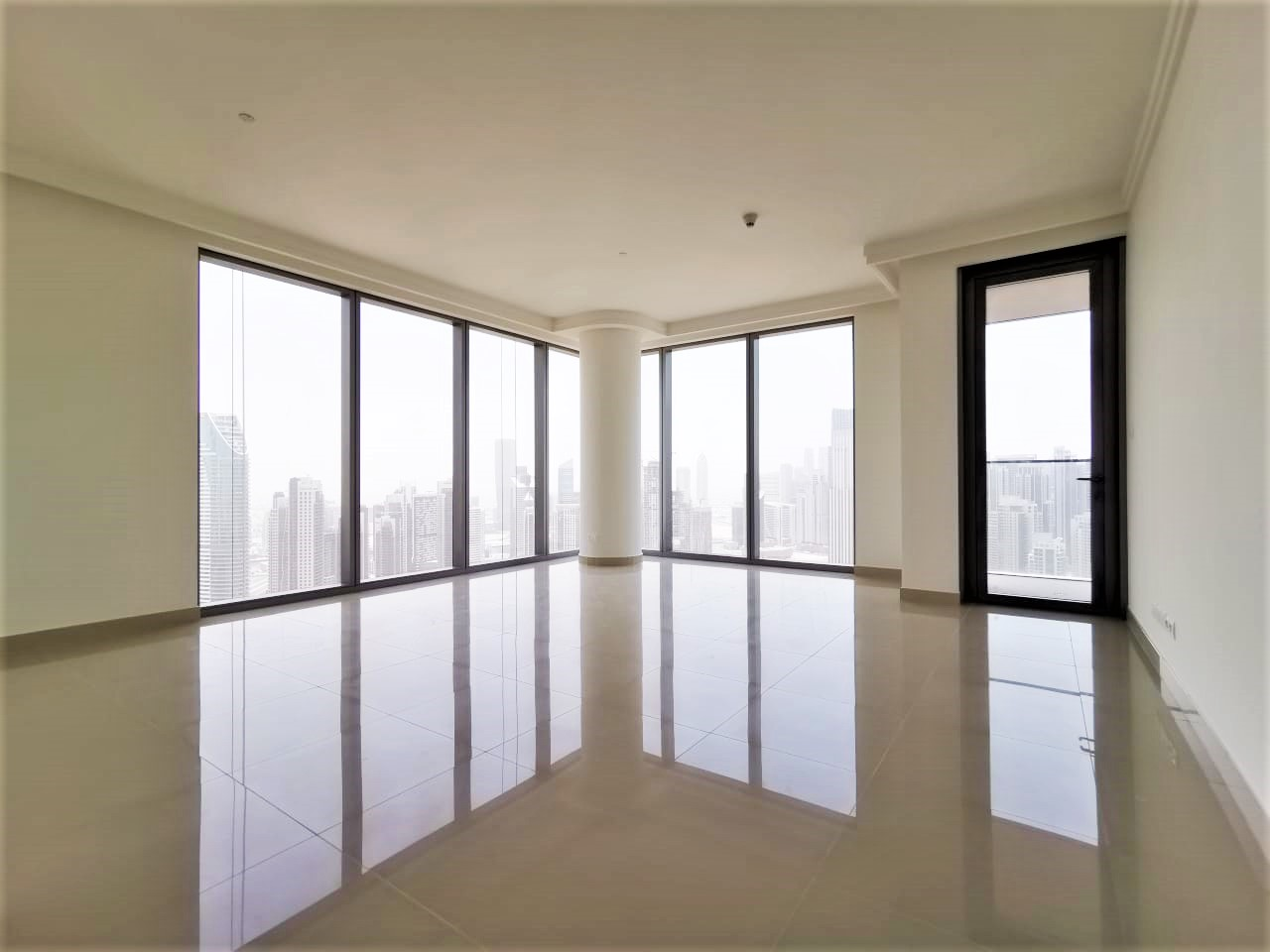 2-bedrooms-apartment-for-sale-in-boulevard-point-at-downtown
